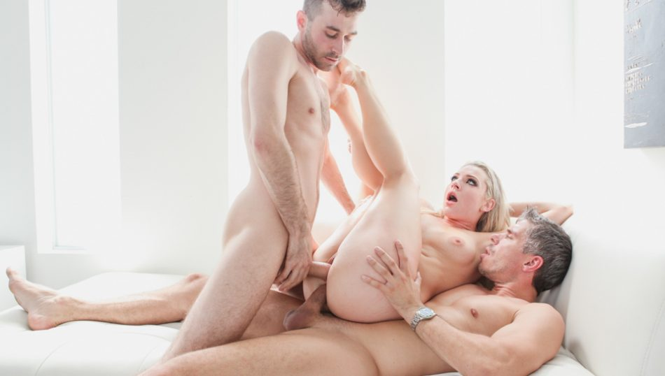 Horny sassy blonde gets  penetration pussy and ass