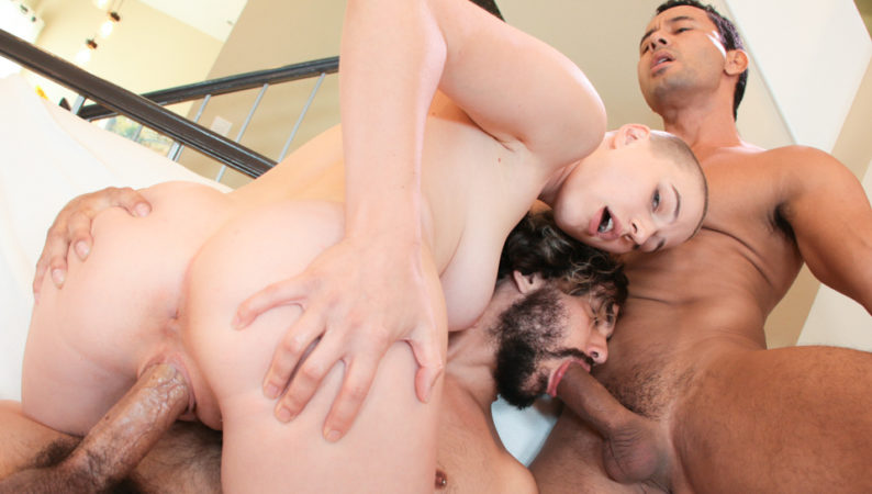 Cute Riley & Bi Boyfriend's Threesome