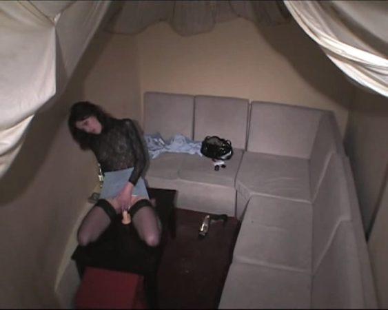 Horny lady riding the dildo! Hot!