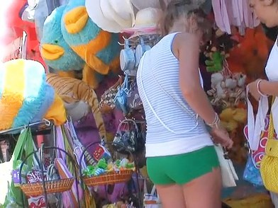 Click here and enjoy two amateur dolls proudly wearing their amazingly hot mini shorts