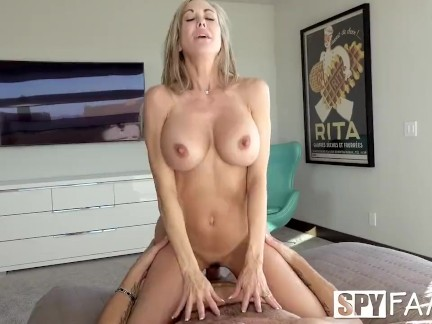 Stepmom sneaks on stepson with blowjob